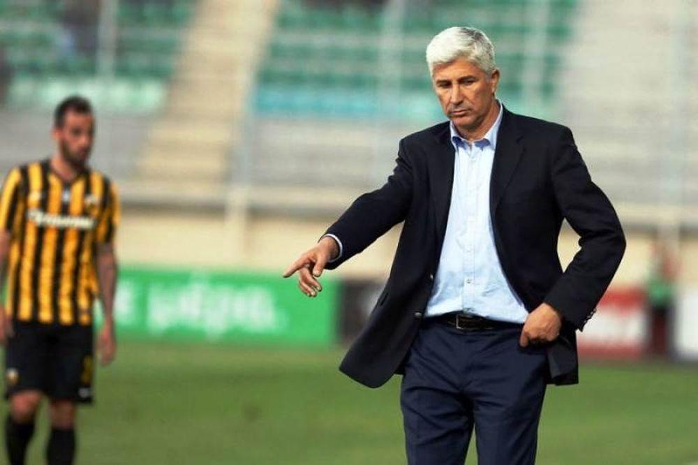 Ο Μανωλάς ήθελε να υποβάλει την παραίτησή του μετά το 7-0 από τον Ολυμπιακό