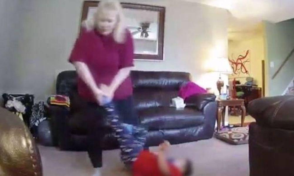 Φρίκη: Νταντά κακοποιούσε 4χρονο με σύνδρομο Down (vid)