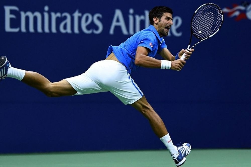 Συγκινητικός ο Τζόκοβιτς: Όταν δεν βομβάρδιζαν, έπαιζα τένις εδώ (video)