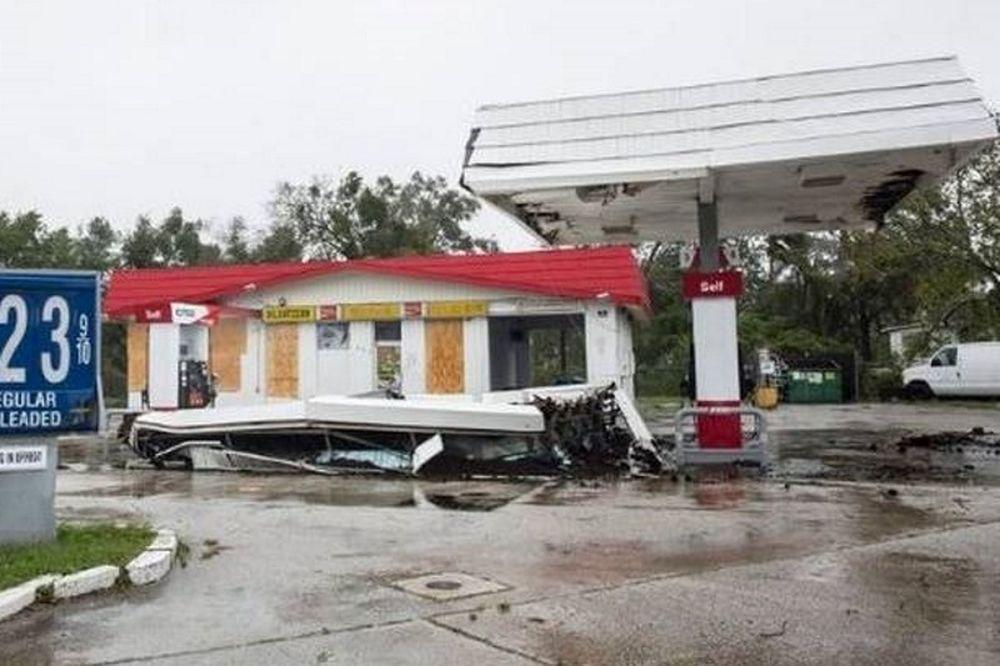 ΗΠΑ: Τουλάχιστον 4 νεκρούς άφησε στο πέρασμα του ο τυφώνας Μάθιου