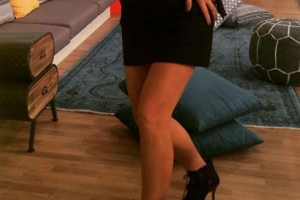 Το μίνι φόρεμα της Ελληνίδας παρουσιάστριας ανέβασε την τηλεθέαση! (photo)