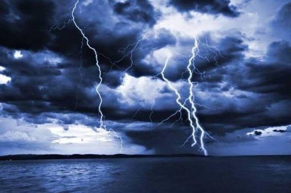 Νέα προειδοποίηση από την ΕΜΥ: Σε αυτές τις περιοχές θα «χτυπήσουν» σε λίγη ώρα έντονα φαινόμενα