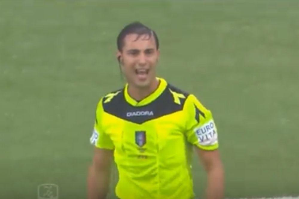 Διαιτητής έδειξε σε παίκτη… πράσινη κάρτα! (video)