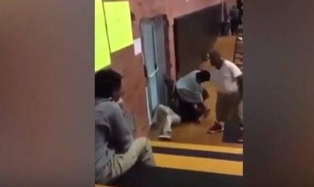 Σοκαριστικό βίντεο: Δασκάλα χτυπά άγρια μαθήτρια με ειδικές ανάγκες