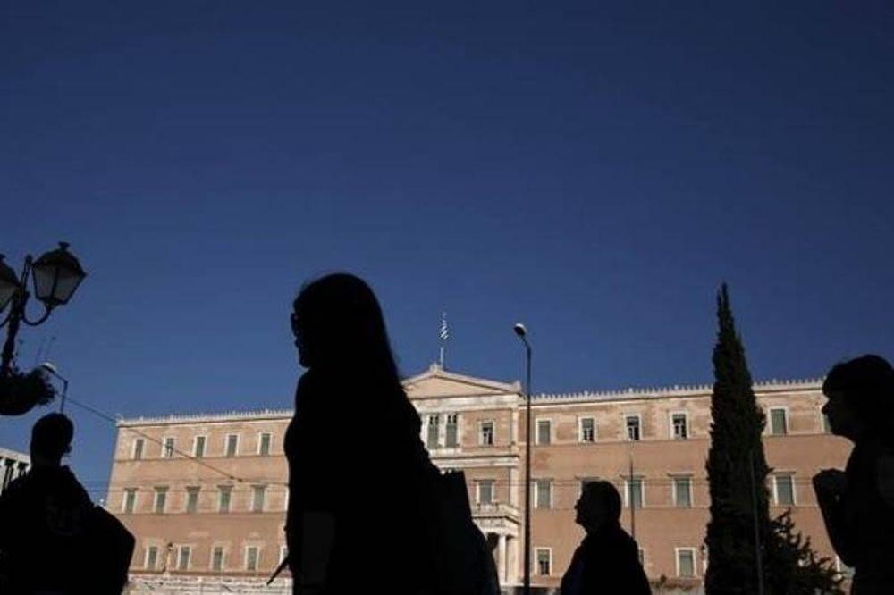 GfK: Οι Έλληνες δεν θα ξεφύγουν από τις συνέπειες της κρίσης
