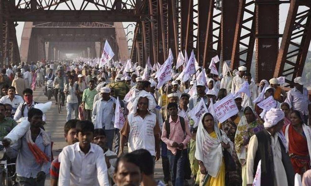 Ινδία: Χάος και σκηνές πανικού σε θρησκευτική συγκέντρωση - Τουλάχιστον 19 νεκροί
