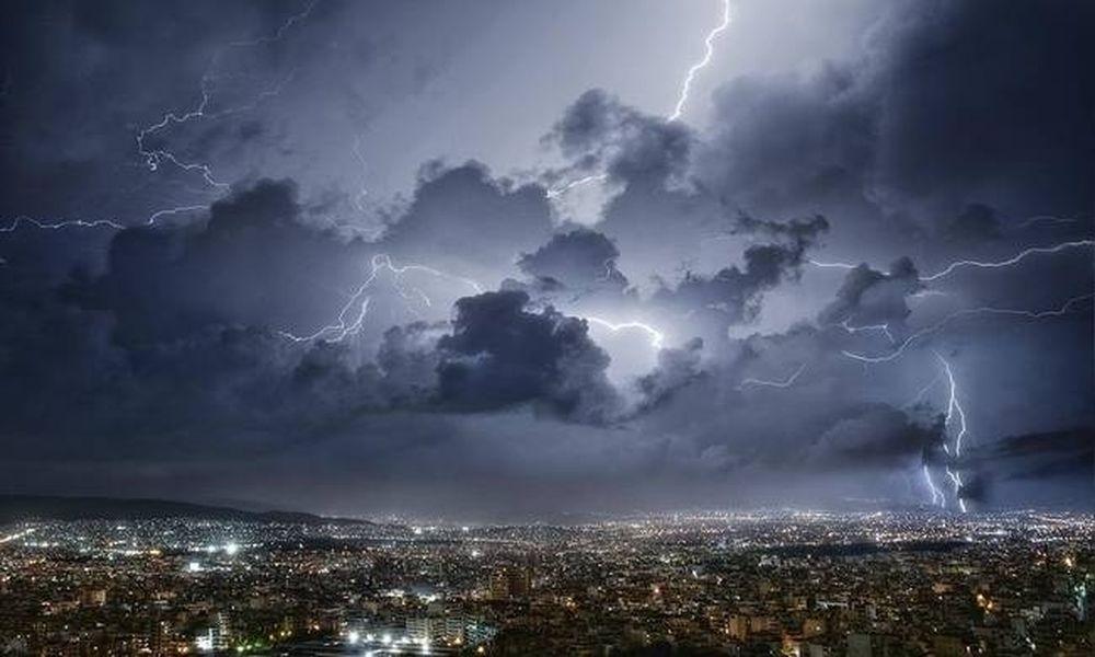 Καιρός: Ραγδαία επιδείνωση του καιρού με καταιγίδες, χαλάζι και ισχυρούς ανέμους