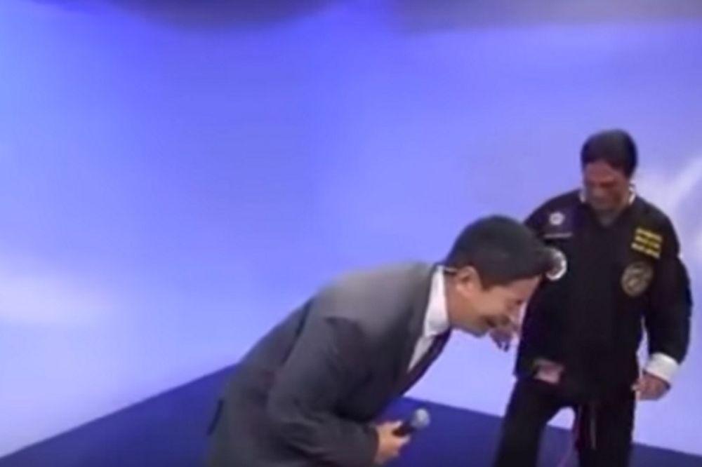 Έπος: Παρουσιαστής κάνει ρόμπα δάσκαλο πολεμικών τεχνών (video)