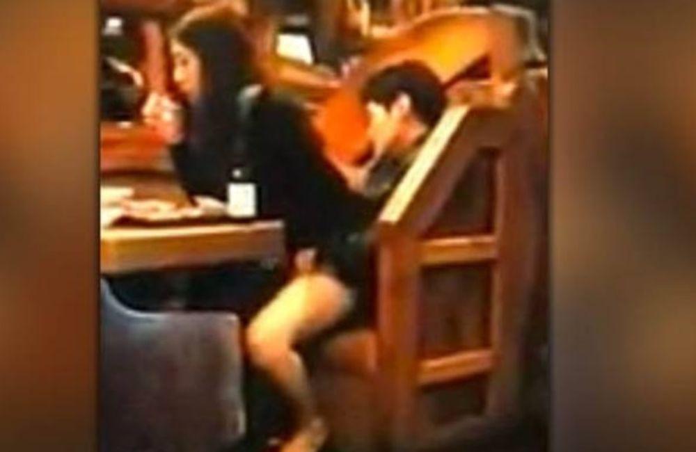 ΑΔΙΑΝΟΗΤΟ: Της έκανε στοματικό στο εστιατόριο! (video)