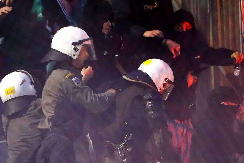 Επεισόδια με οπαδούς του ΠΑΟΚ στην Αθήνα!