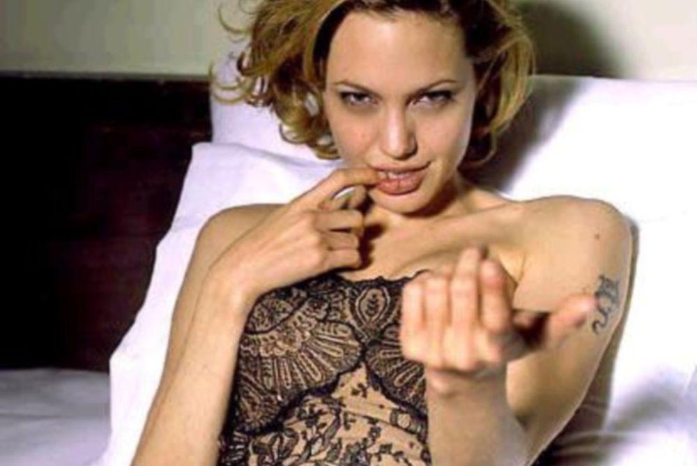 Πριβέ όργια σε σεξ κλαμπ για Αντζελίνα Τζολί και όχι μόνο!