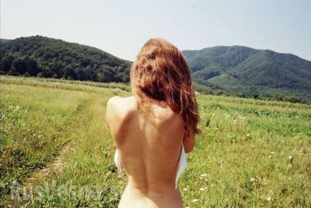 Σκάνδαλο! Διέρρευσαν γυμνές φωτογραφίες γυναίκας Υπουργού! (photos)
