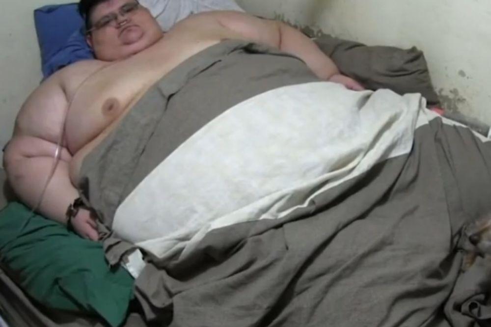 Ο Μεξικανός που ζυγίζει 500 κιλά σηκώθηκε από το κρεβάτι του μετά από 6 χρόνια