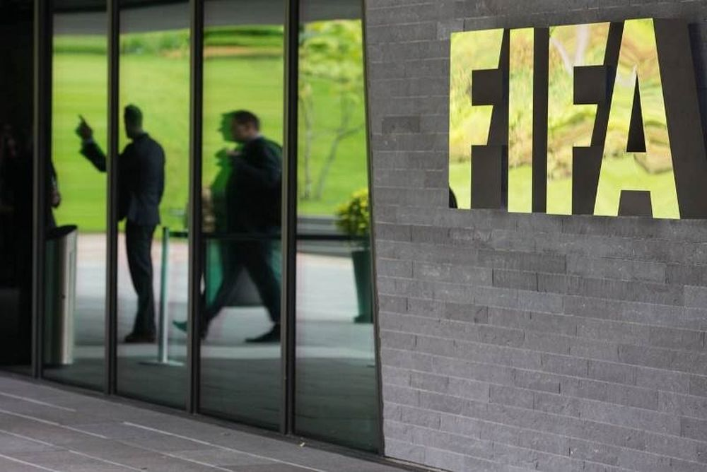 Αγωγή κατά της FIFA για την απαγόρευση μεταγραφών ανήλικων παικτών