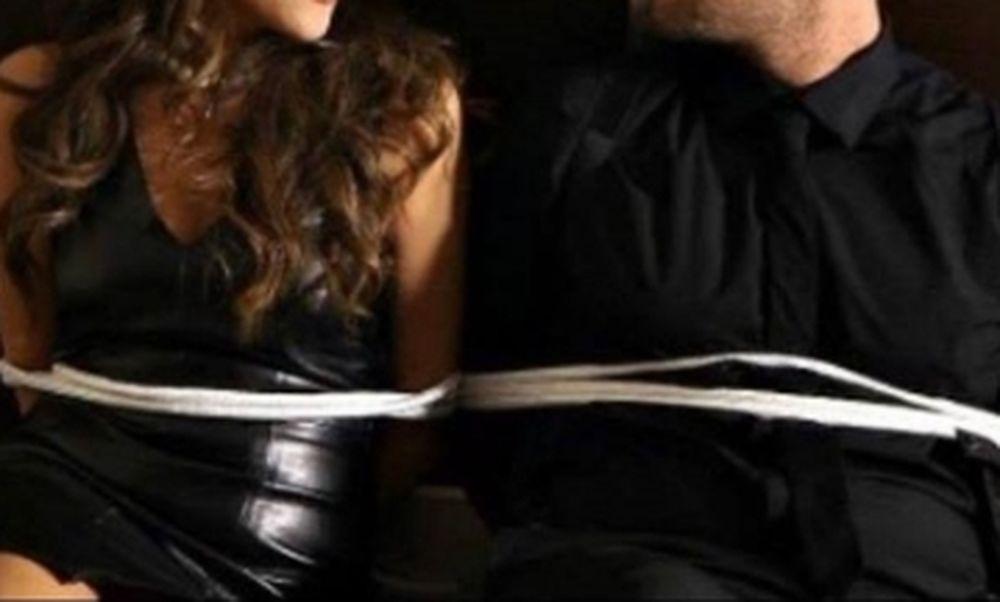 Απίστευτο: Έδεσαν Έλληνες τραγουδιστές σε καρέκλες
