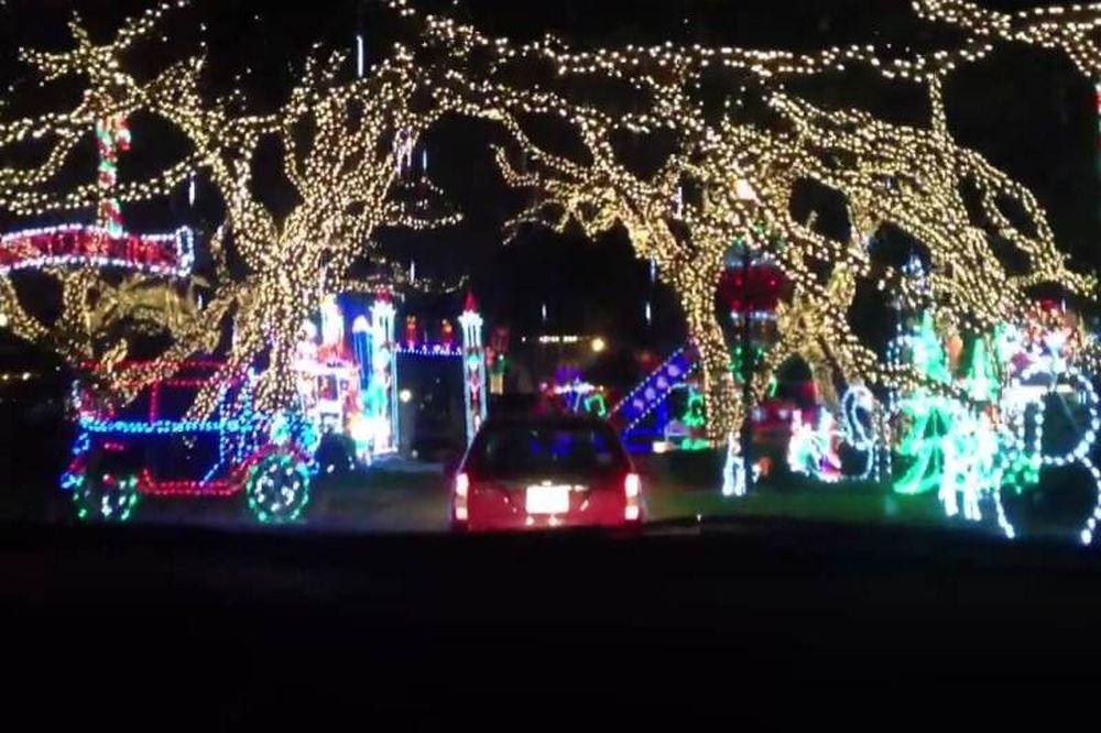 Ο πιο… Χριστουγεννιάτικος δρόμος του κόσμου! (video)