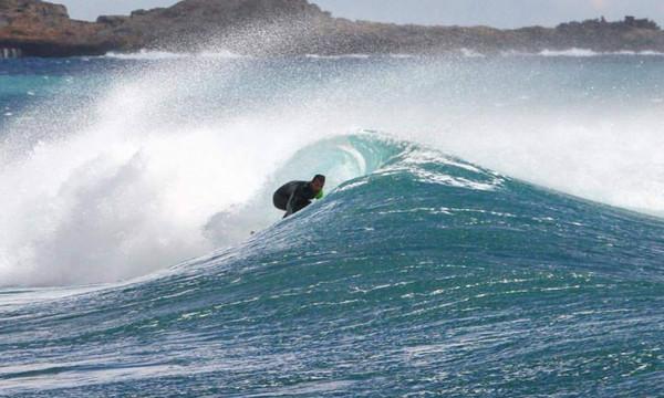 Ποιά Χαβάη; Στα Χανιά για σερφ (video)