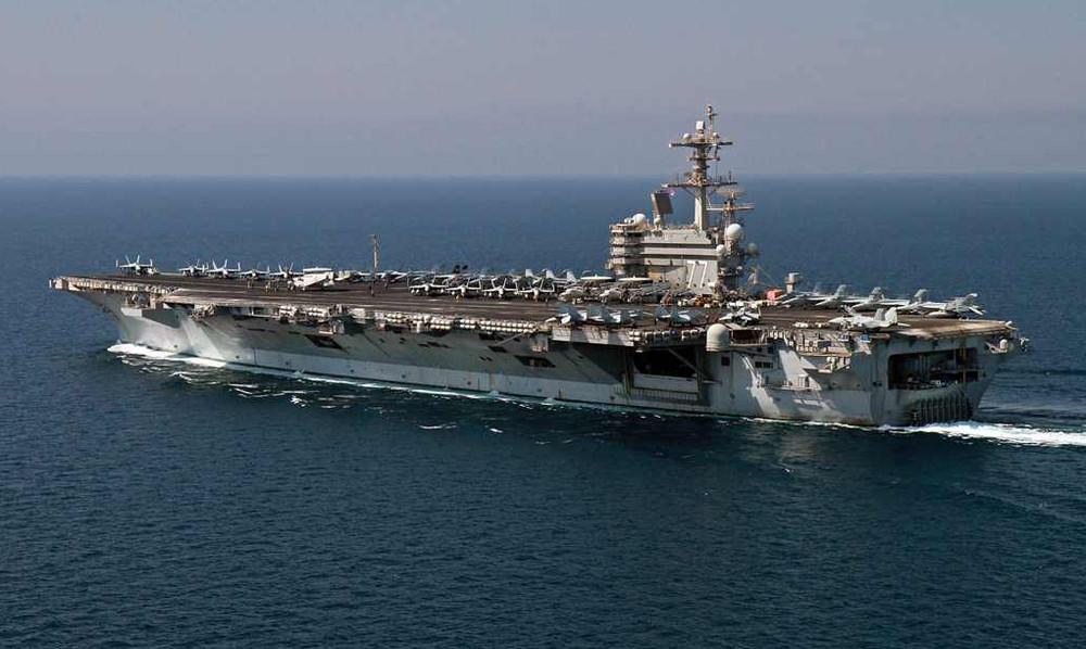 Τα Χανιά γέμισαν Αμερικανούς ναύτες και ιερόδουλες