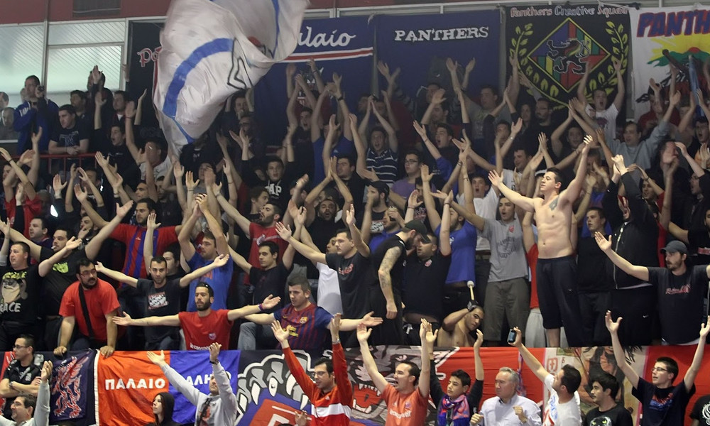Οπαδοί του Πανιωνίου και του Εθνικού τραγουδούν υπέρ των αντιπάλων τους!