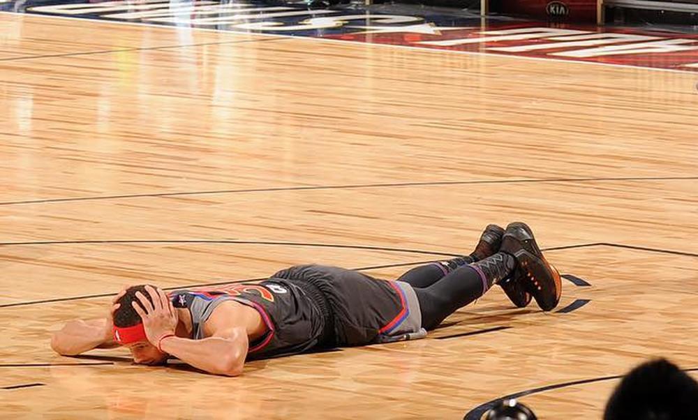 All Star Game: Ο Κάρι τρόμαξε και ξάπλωσε προ του Γιάννη Αντετοκούνμπο