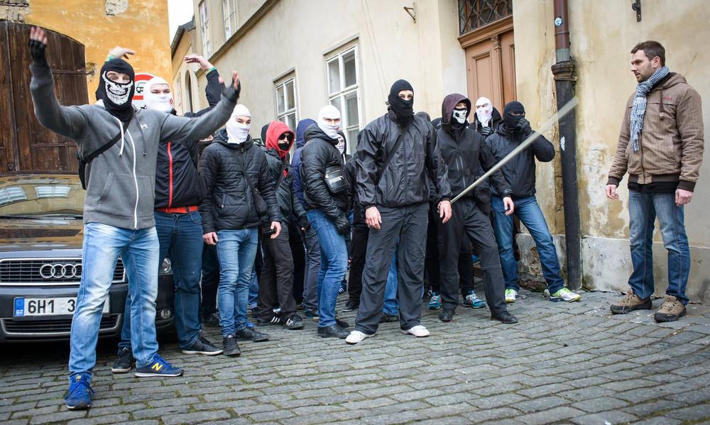 Τι συμβαίνει με τoν ρατσισμό στα ευρωπαϊκά γήπεδα;