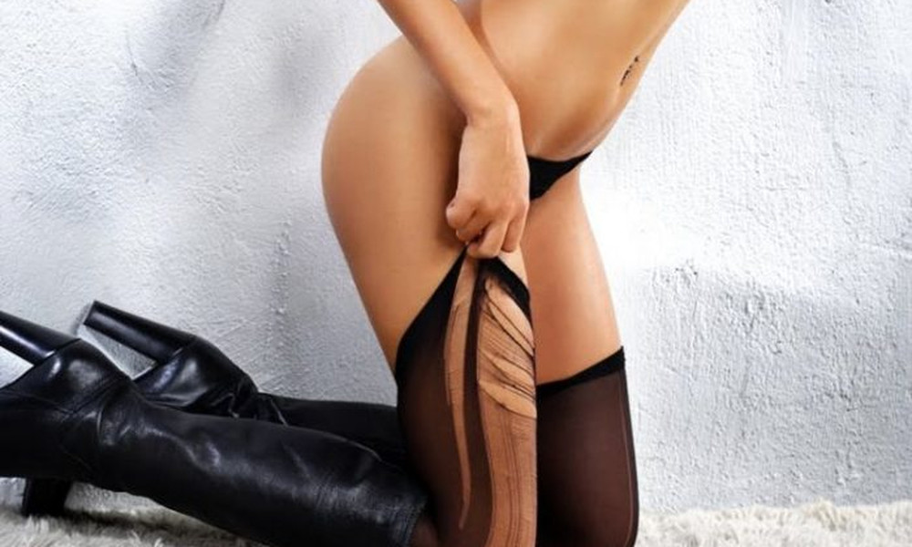 20 γυμνές φωτογραφίες της πασίγνωστης Ελληνίδας! Αντέχεις;