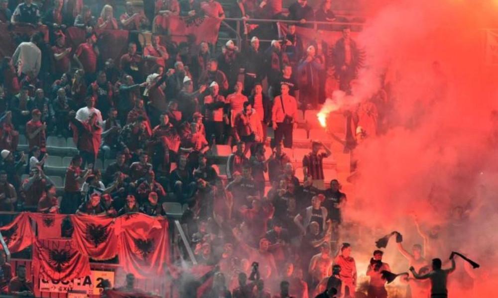 Κόλαση στο Ιταλία-Αλβανία και διακοπή!