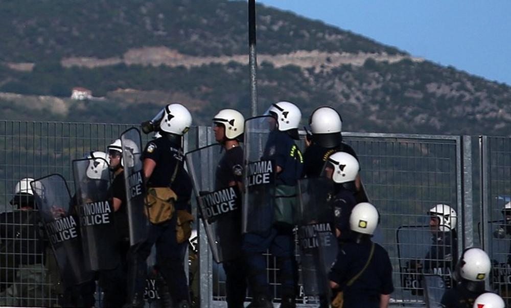 ΠΑΟΚ-ΑΕΚ: Πλακώνονταν πάνω από τους αστυνομικούς!