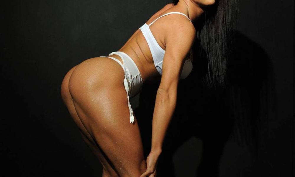 Πρωταγωνίστρια στην Ελλάδα μοιράζει… πόνο με το καυτό twerking!