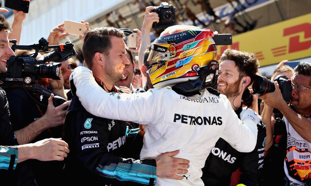 Τρομερή Mercedes, νικητής ο Χάμιλτον