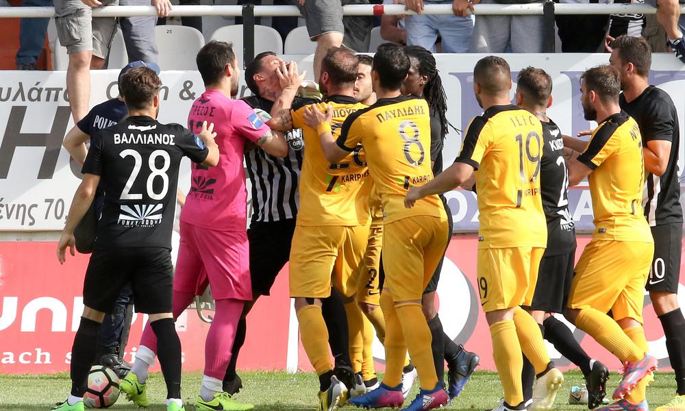 Football League: Βαριά καμπάνα για Παντίδο και Μπούρμπο
