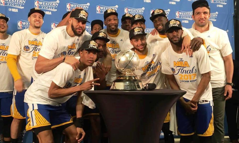 NBA: Έβγαλαν σκούπες οι Ουόριορς!