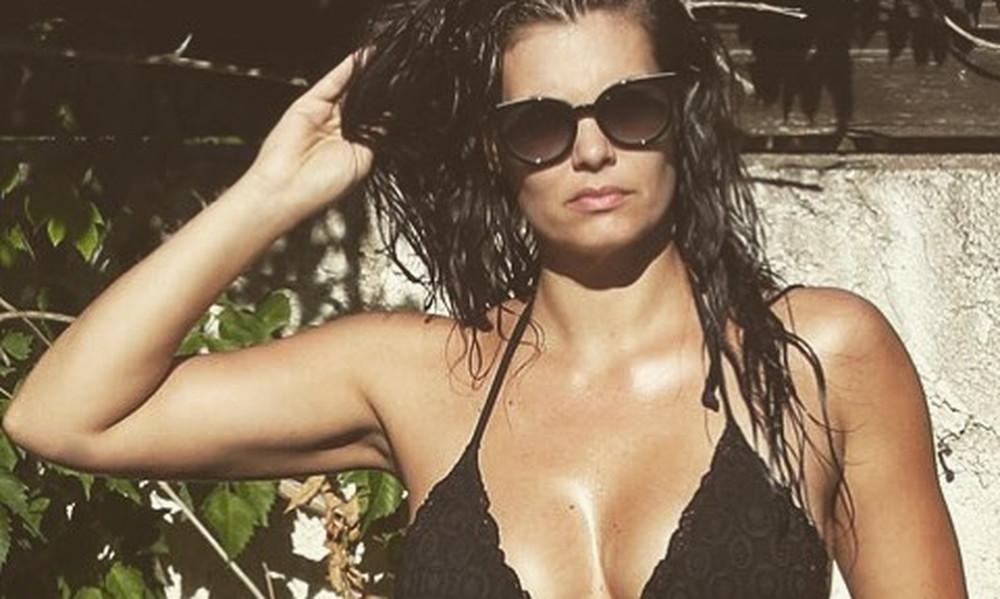Η Μαρία Κορινθίου κόλασε το Instagram με τις ποδάρες της!