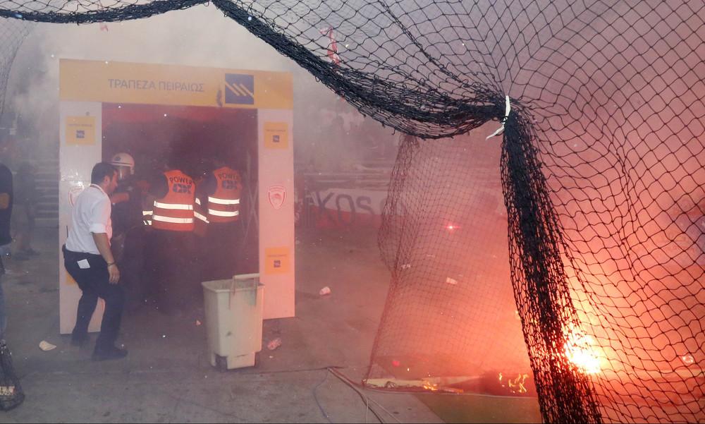 Σοκαριστικές εικόνες! Σκηνικό πολέμου στο ΣΕΦ (photos)