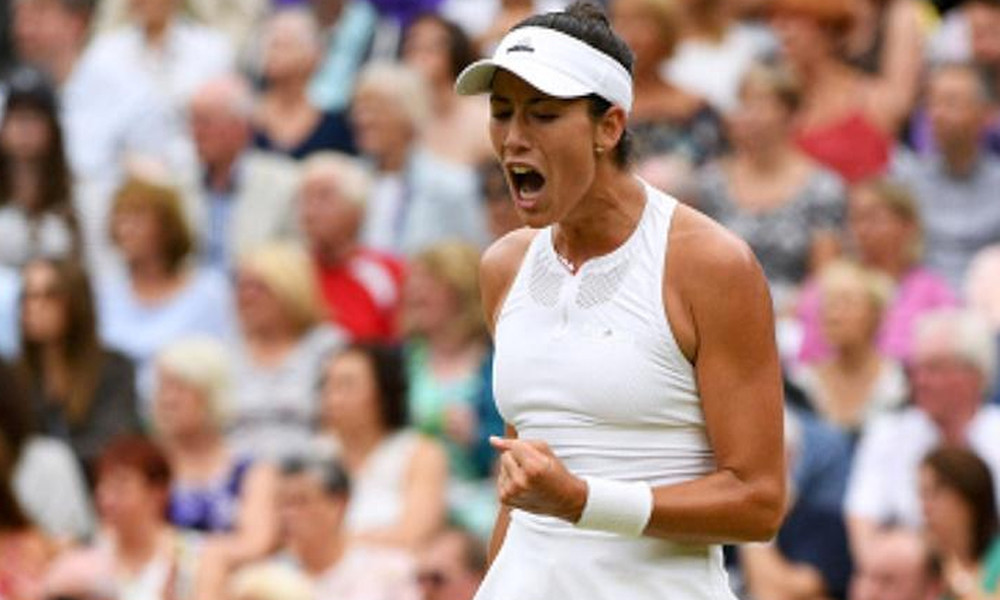 «Βασίλισσα» του Wimbledon ο Μουγκουρούθα (video)