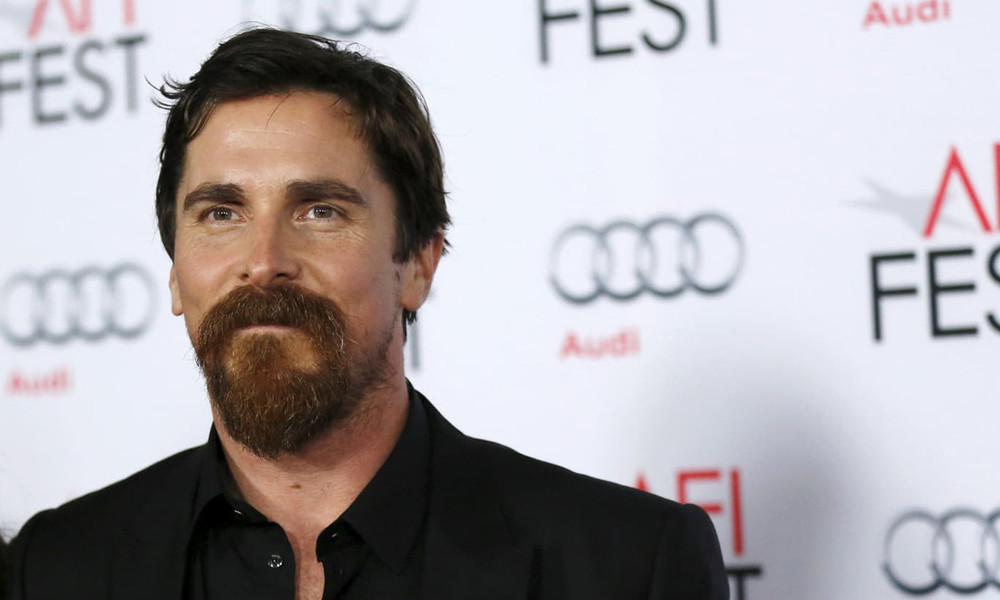 Τρία μούσια του Christian Bale για να διαλέξεις το δικό σου