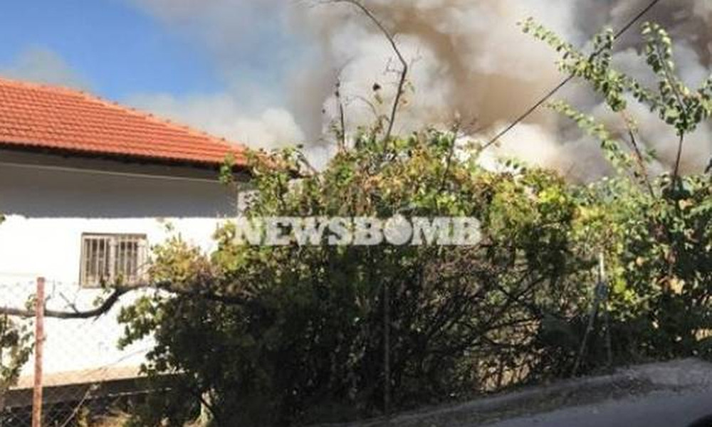 Φωτιά στον Κάλαμο – Στο νοσοκομείο αξιωματικός της Πυροσβεστικής