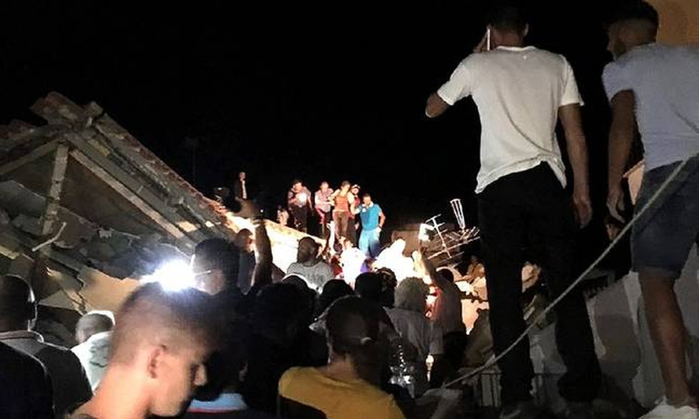 Σεισμός Ιταλία: Δύο νεκροί και δεκάδες τραυματίες - Παιδιά θαμμένα στα ερείπια
