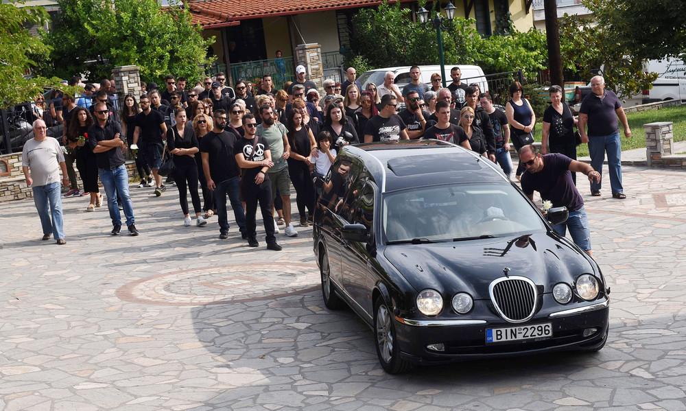 Το τελευταίο «αντίο» στον άτυχο οπαδό του ΠΑΟΚ (photos)