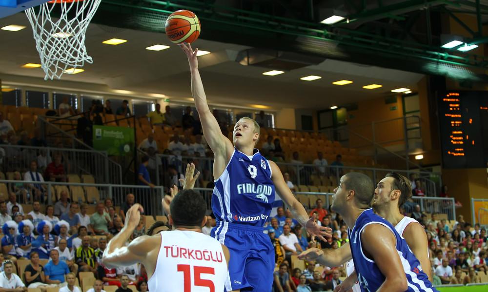 Σάλιν: «Παραμένει δυνατή ομάδα η Ελλάδα»