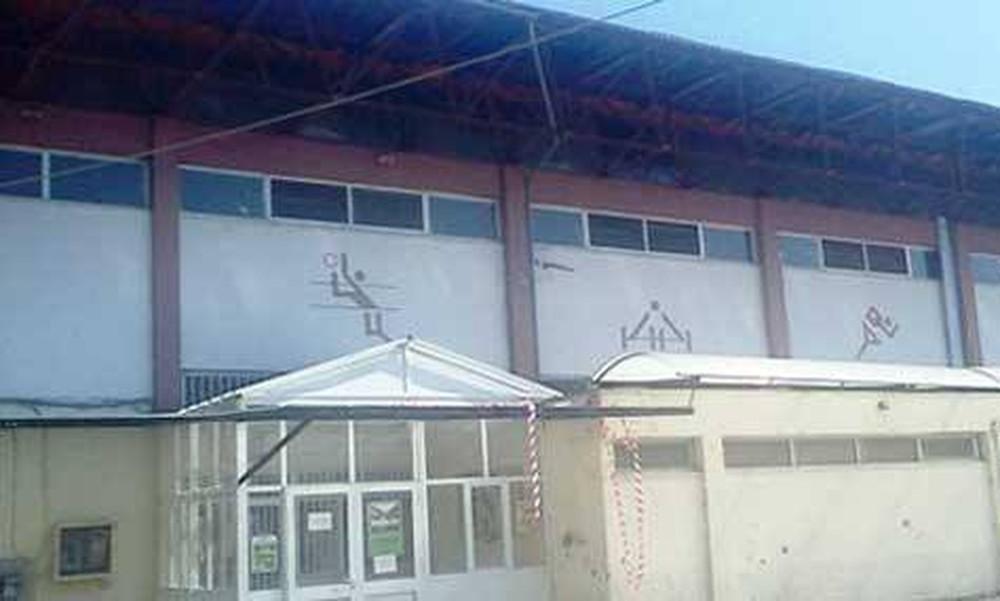 Αδιανόητο: Έστειλαν παιδιά «αξημέρωτα» για μπάσκετ  και το γυμναστήριο ήταν κλειστό!