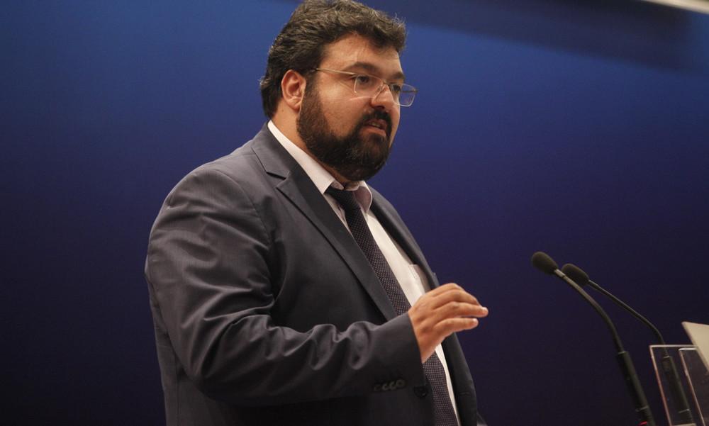 Ο υφυπουργός Αθλητισμού, Γιώργος Βασιλειάδης στα γραφεία της ΕΙΟ στις 26/9