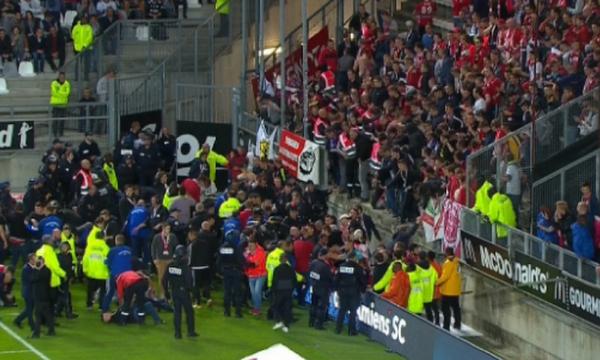 Σκηνικό Χίλσμπορο στην Γαλλία - Πέντε οπαδοί σε σοβαρή κατάσταση (pics,vid)
