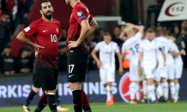 Άστραψε και βρόντηξε με Τουρκία η Ισλανδία - Έκανε «check in» η Ισπανία (vids)