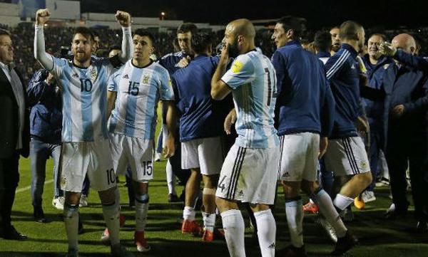 Το ξέσπασμα του Μέσι: Τα 'σπασαν στα αποδυτήρια οι Αργεντινοί! (video)