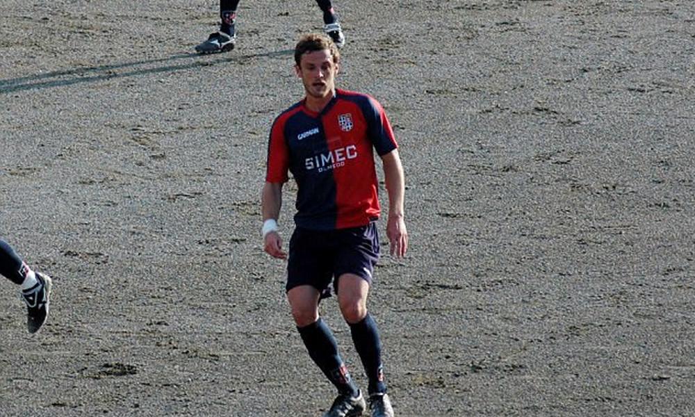 Σοκ! Ποδοσφαιριστής σκοτώθηκε από κεραυνό στην θάλασσα! (photos)