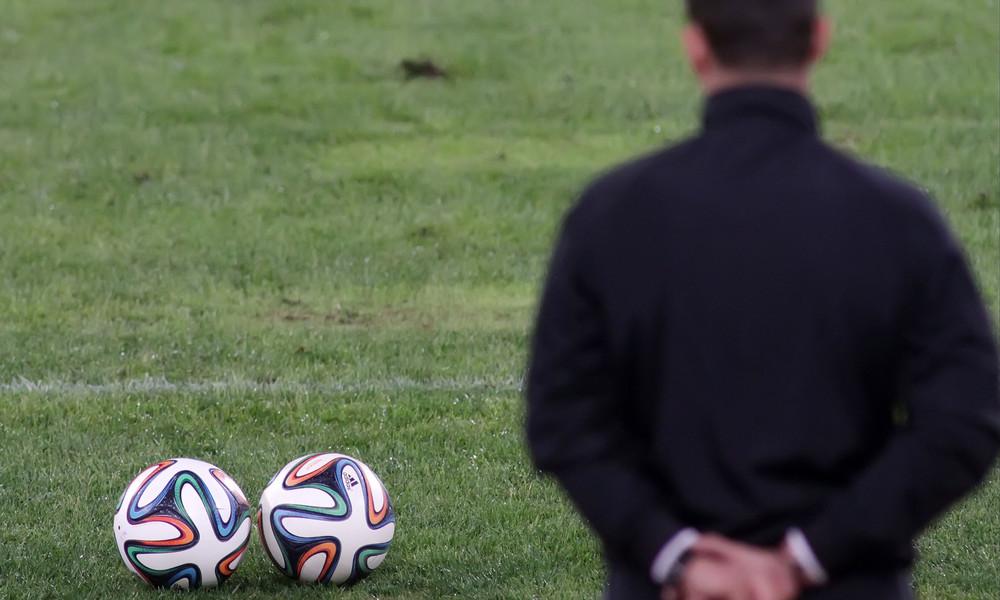 Επικό βίντεο! Τι κάνεις όταν δεν βρίσκεις άνθρωπο για να παίξεις μπάλα; (vid)