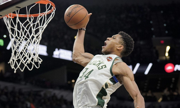 NBA: Νέα… μαγικά Αντετοκούνμπο (video)