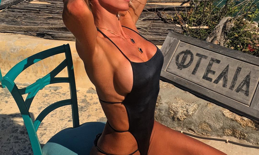Ελληνίδα μάνα κολάζει το Instagram με γυμνή εμφάνιση!
