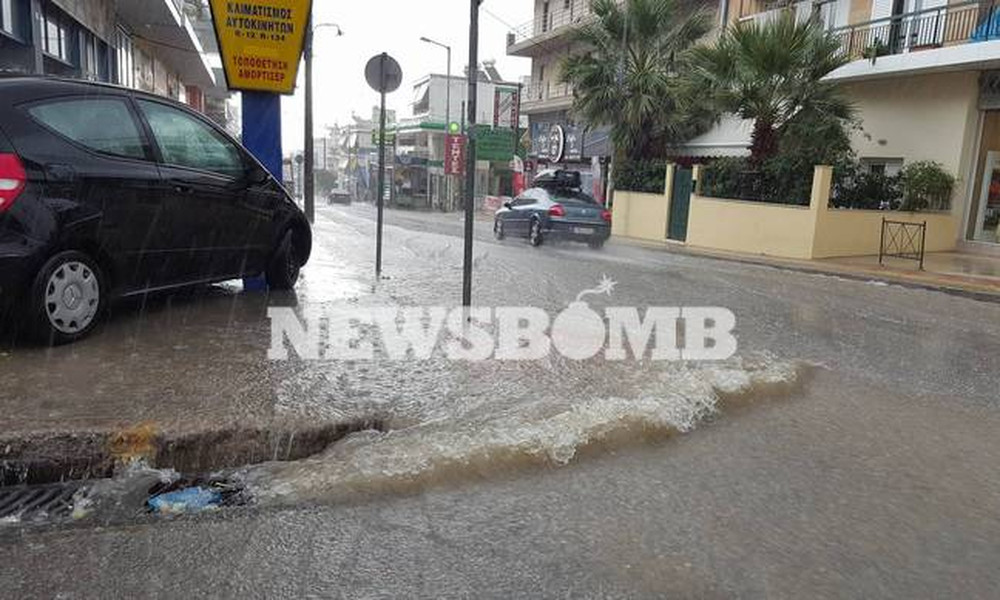 Καιρός Αθήνα ΤΩΡΑ: Η κακοκαιρία «σφυροκοπά» πάλι την Αττική - Ισχυρές βροχές και καταιγίδες